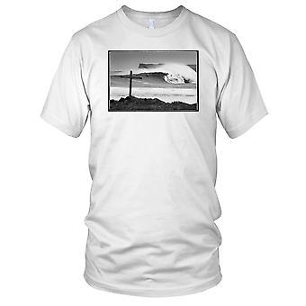 Croce sulla spiaggia B&W - Surf Surf spiaggia bambini T Shirt