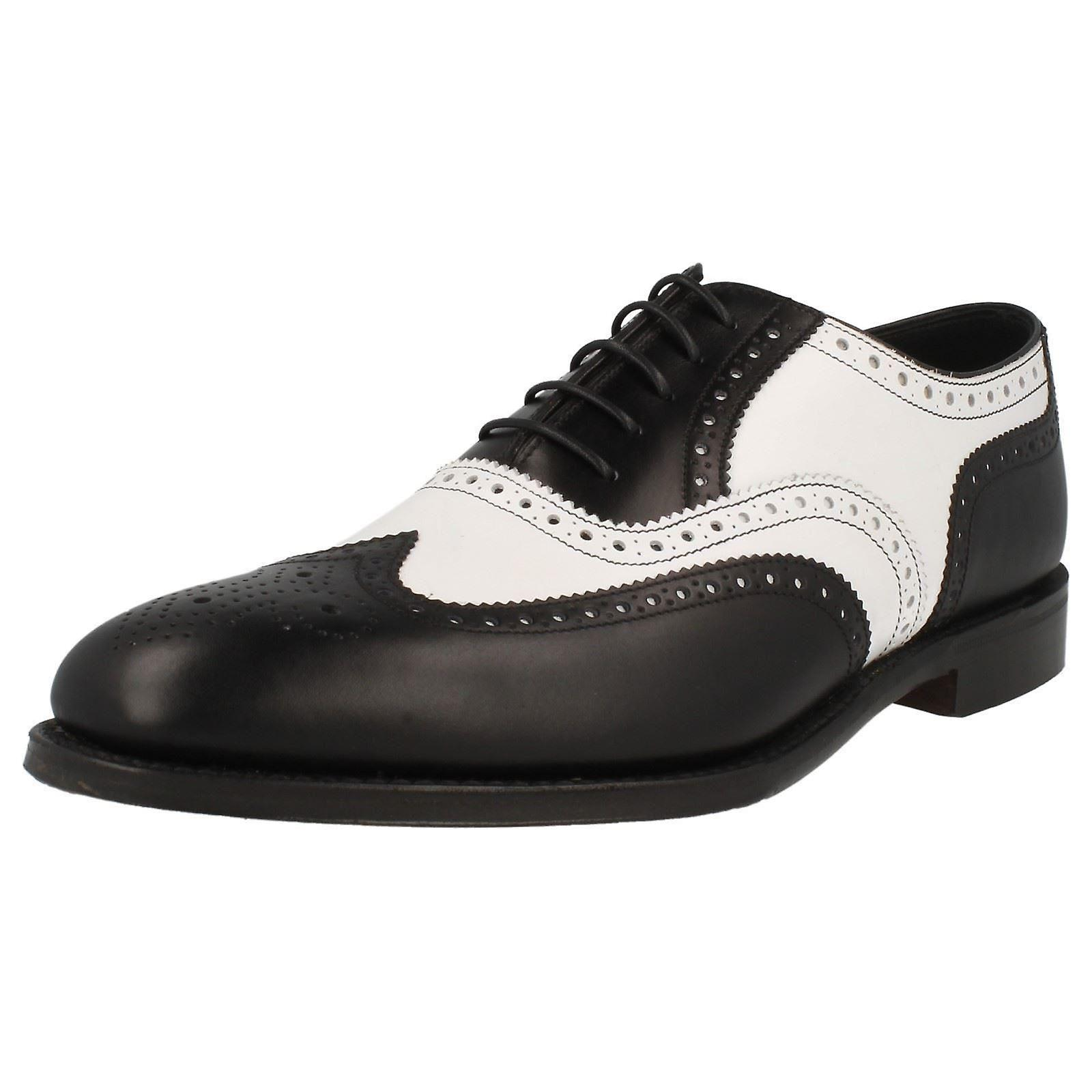 Mens Loake Classic deux ton Brogue Lace Up chaussures - Sloane