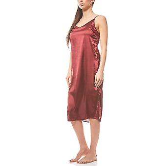 Bretelles spaghetti robe de satin robe Bordeaux Aniston