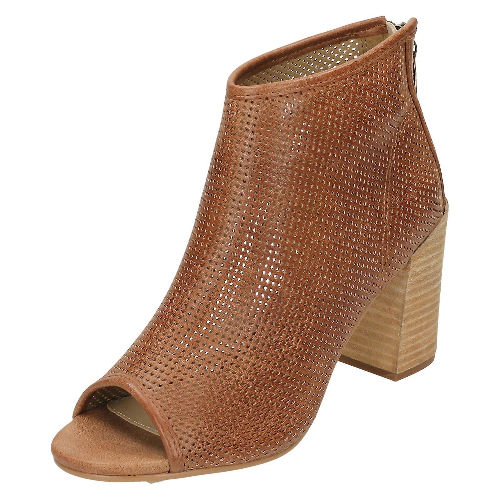 Ladies Savannah Perforated Peep Toe Ankle Boots F10598