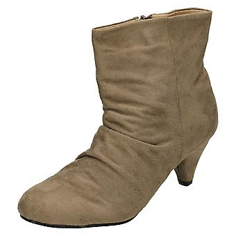 Ladies Spot On Mid Heel Rouched Ankle Boot F5671