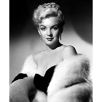 DonT Bother To Knock Marilyn Monroe 1952 Tm And Copyright  20Th Century Fox Film Corp All Rights Reserved Courtesy Everett Collection Movie Poster Masterprint