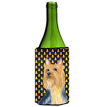 Australian Silky Terrier Candy Corn Halloween Portrait Weinflasche trinken Isolator Beverage Isolator Hugger