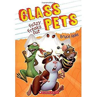 Fuzzy Freaks Out (Class Pets #3) (Class Pets)
