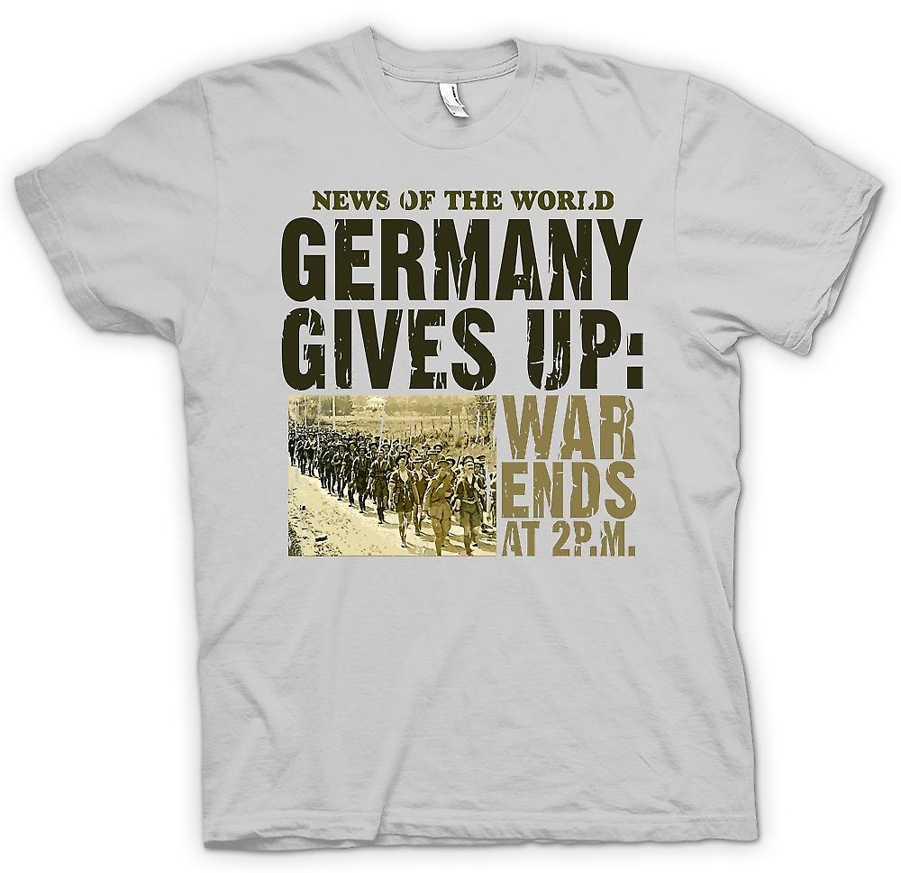 Mens T-shirt - Germany Gives Up - War Ends