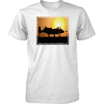 A10 Tank Buster In Sunset -  Classic USAF Military Aircraft - Mens T Shirt