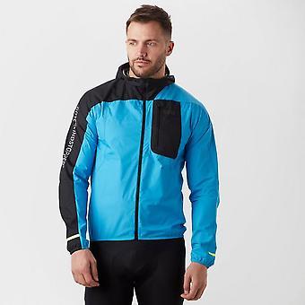ゴアのジャケットを実行している男性の R7 Gore® Windstopper®