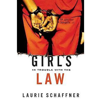 Garotas com problemas com a lei por Schaffner & Laurie