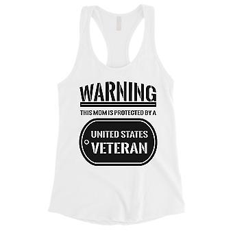 Geschützt durch Veteran Geschenk Womens weißes Tank-Top für stolze Armee Mom