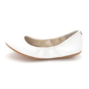 Cole Haan Womens CH1934S Closed Toe Ballet Flats