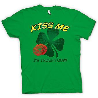 تي شيرت رجالي-يوم القديس باتريك--قبله لي أنا الأيرلندية اليوم