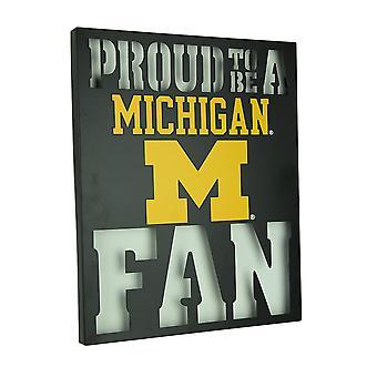 骄傲是一个密歇根州风扇 LED 点灯切割金属墙标志