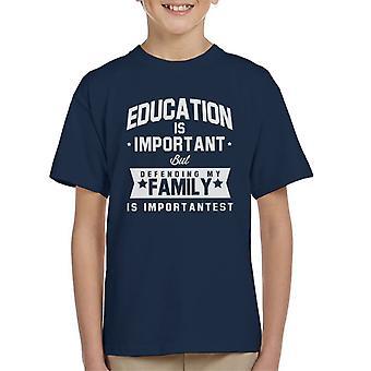 Educação é importante mas a defender a minha família é t-shirt do importante garoto