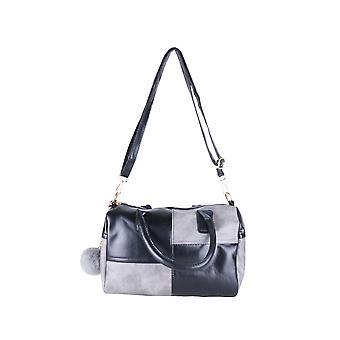 Lovemystyle schwarz und grau hinterlegt-Handtasche mit Pompons