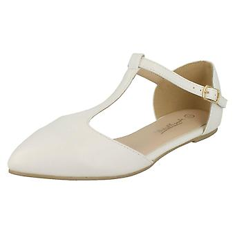Ladies Anne Michelle T-Bar Flat Casual Shoes F80166