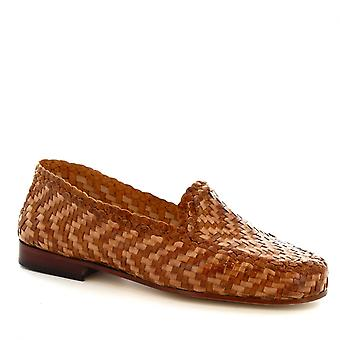 Leonardo Shoes Women's handmade loafers in tan and sandy woven calf leather