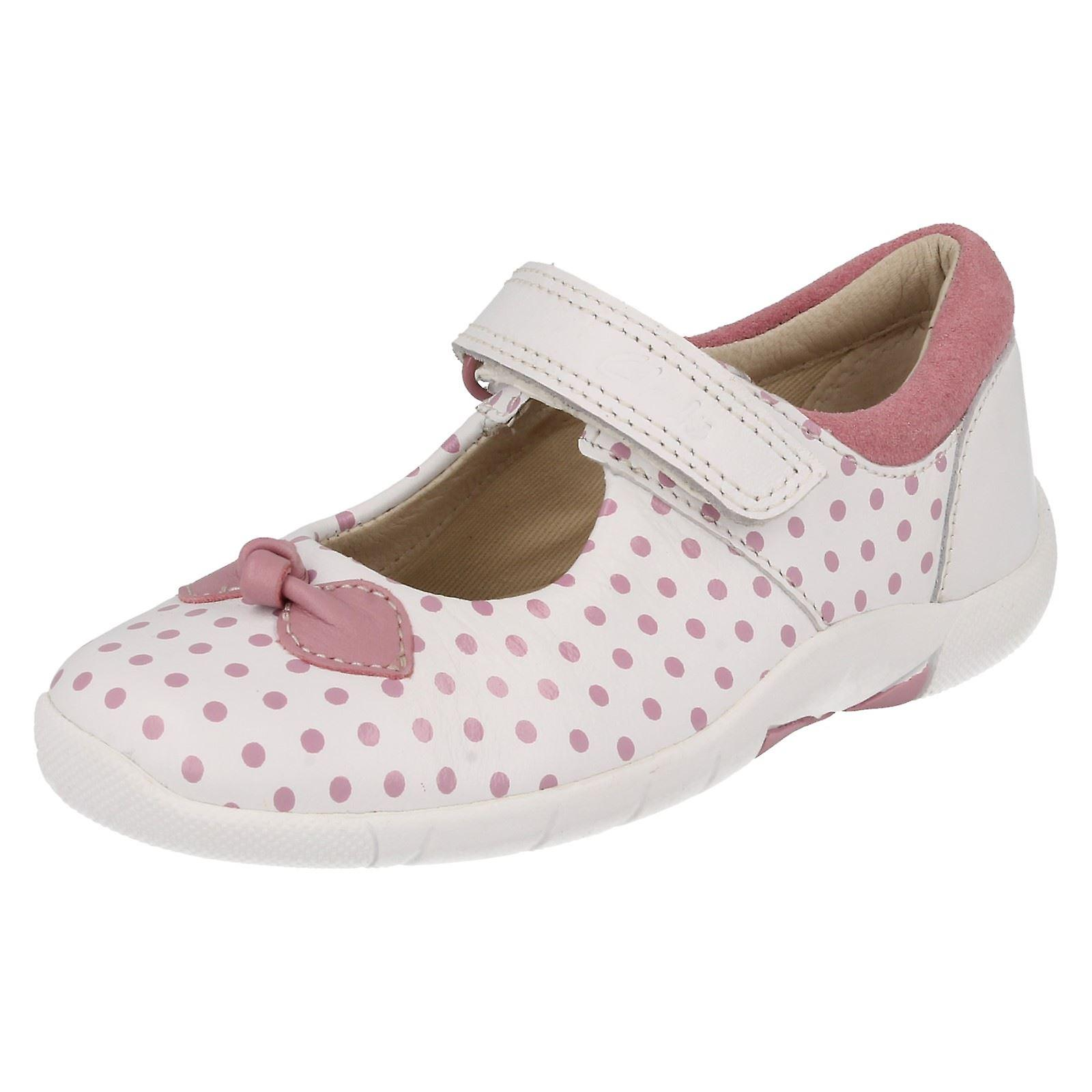 Girls Clarks Polka Dotted Shoes with Bow Design Binnie Dots