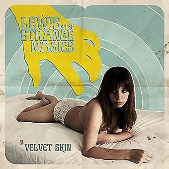 Lewis & den mærkelige magi - fløjl huden [CD] USA importerer