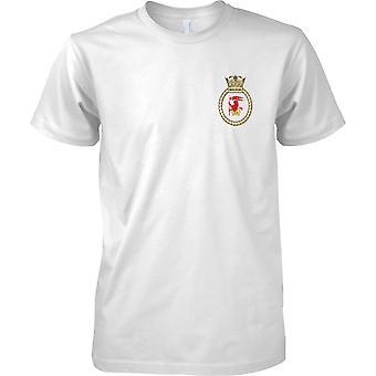 HMS Iron Duke - atual cor de t-shirt do navio da Marinha Real