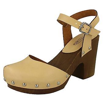 Spot de dames sur sandales bois sabot arrière