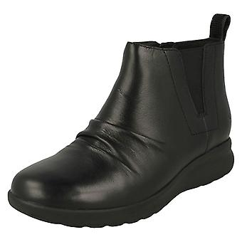 Ladies Clarks Casual Ankle Boot Un Adorn Mid