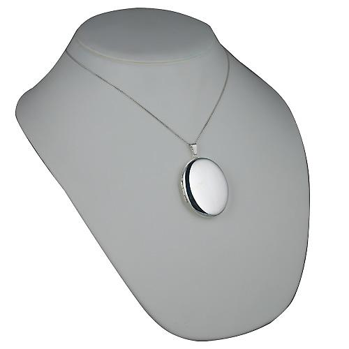 Silver 45x35mm plain oval Locket with a curb Chain 18 inches