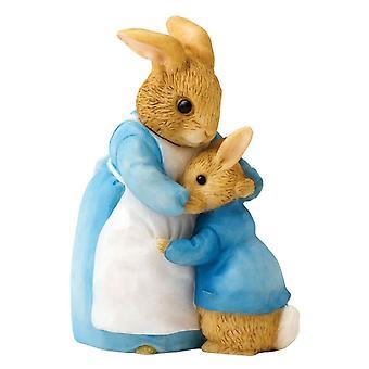 Beatrix Potter Mrs. Rabbit y Peter Figurine
