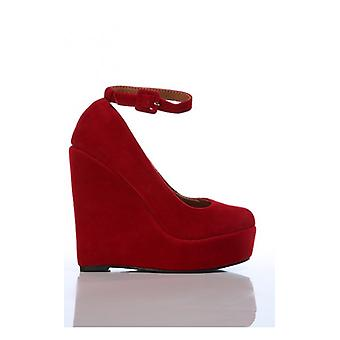The Fashion Bible Marlon Wedge Shoes In Red