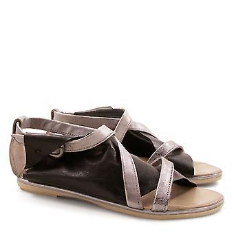 Handgemaakte plat strappy sandalen voor vrouwen Made in Italy