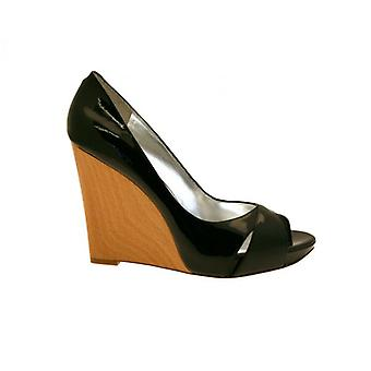 W.A.T Jessica Simpson Women's Melk Shoes