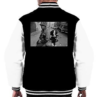 Eric B og Chuck D på gaderne i New York 1980s mænds Varsity jakke