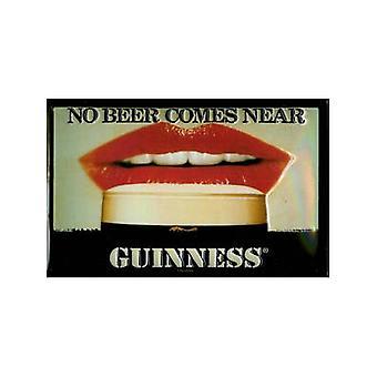 Guinness No cerveza... (Los labios) Muestra de acero en relieve