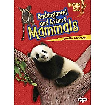 Endangered and Extinct Mammals (Lightning Bolt Books Animals in Danger)