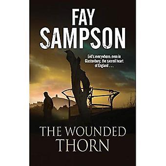 Thorn feriti: Un mistero britannico impostato nella sacra sede storica di Glastonbury