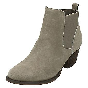 Ladies Down To Earth Mid Heel Ankle Boots F50678