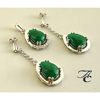White gold pendant and earrings with jade and brilliant
