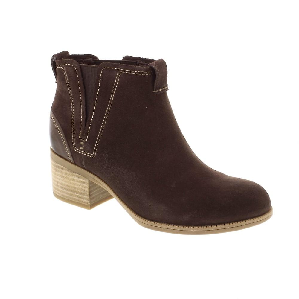 Clarks Maypearl Daisy - Dark Brown (Suede) Womens Boots