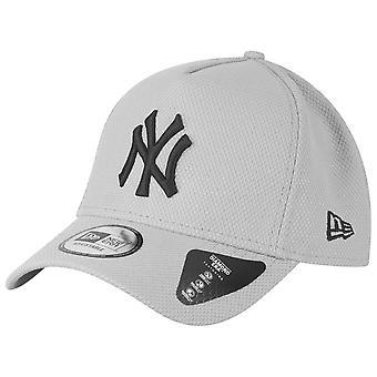 New Era Adjustable Trucker Cap - DIAMOND New York Yankees