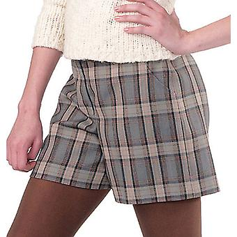 Misses' Women's Shorts And Pants In 2 Lengths  Rr 18W  20W  22W  24W Pattern M6403  Rr0