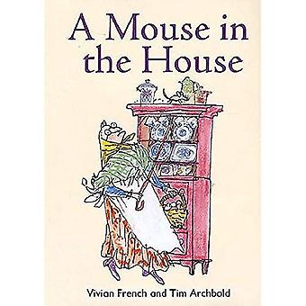 A Mouse in the House: Redstarts Level 2 (ReadZone Reading Path)