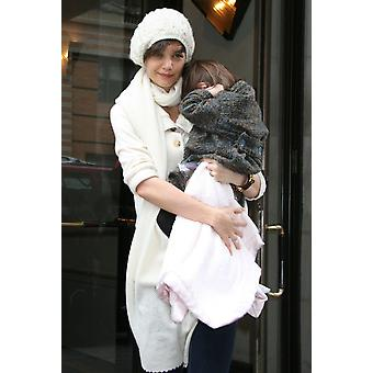 Katie Holmes Daughter Suri Cruise Out And About For Katie Holmes On Her Way To All My Sons Final Performance Leaving Her Manhattan Home New York Ny January 11 2009 Photo By Augie RoseEverett Collectio