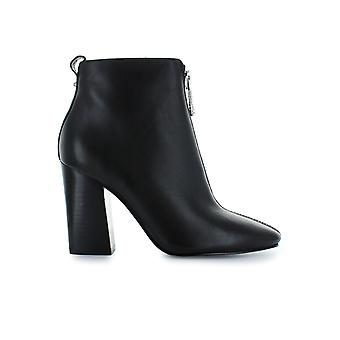 KENDALL AND KYLIE BLACK REAGAN BOOTIE