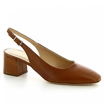 Leonardo Shoes Women's handmade heeled slingback pumps in tan calf leather