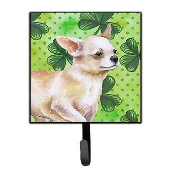Carolines Treasures  BB9871SH4 Chihuahua Leg up St Patrick's Leash or Key Holder