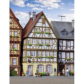 Kibri 38903 H0 Half-timbered house on the market in Miltenberg