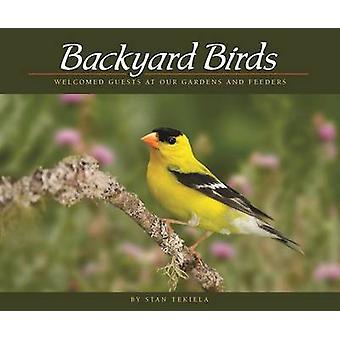 Hinterhofvögel - gern gesehene Gäste in unseren Gärten und Zufuhren von Stan Te