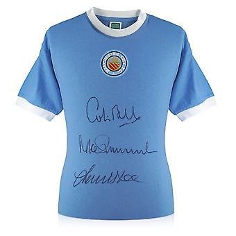 Manchester City skjorta undertecknat av Colin Bell, Francis Lee och Mike Summerbee