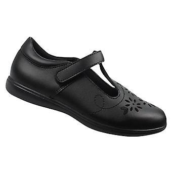 البنات الأسود أحذية جلدية شخصين المدرسة