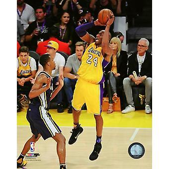 Kobe Bryant plays his final NBA game-Staples Center- April 13 2016 Photo Print (8 x 10)