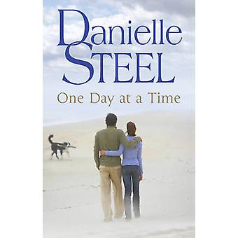 One Day at a Time by Danielle Steel - 9780552151832 Book